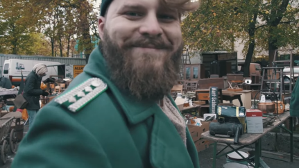 """Abbildung 15 (Screenshot: Min. 9:20) (Malenki. """"Trödelmarkt in Ostdeutschland"""" (09.11.2018): https://www.youtube.com/watch?v=Y8Ts12GGLoI) [Stand 11.03.2019]"""